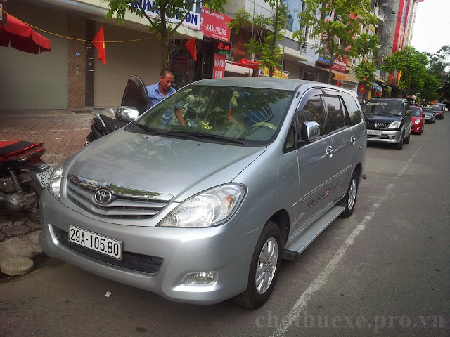 Cho thuê xe Innova dài hạn tại Hà Nội