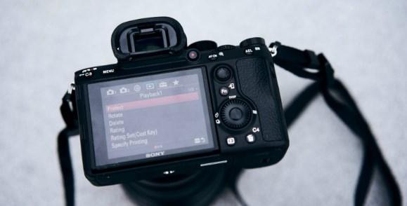 Digital Kamera Mirrorless Sony Alpha A7R III Mengusung Sensor Exmor R CMOS 42.4MP