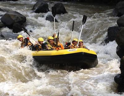 Paket Rafting Murah di Cisadane Bogor