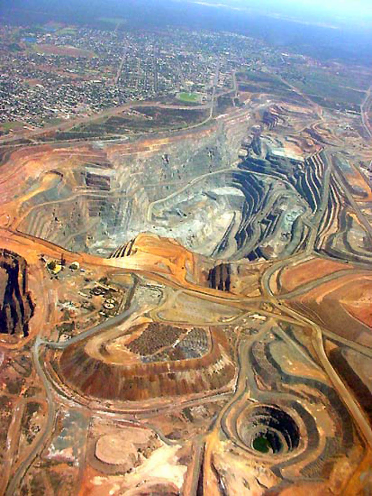 Superpit Gold mine, Kalgoorlie-10 Beautiful Cities in Australia