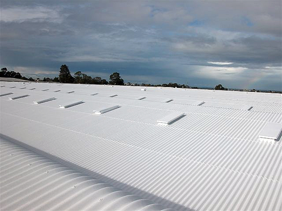 White Roofing Systems The Benefits And Controversy Of