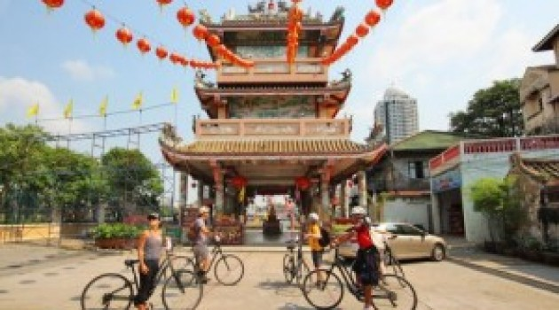 Bangkok Chinatown by Bicycle