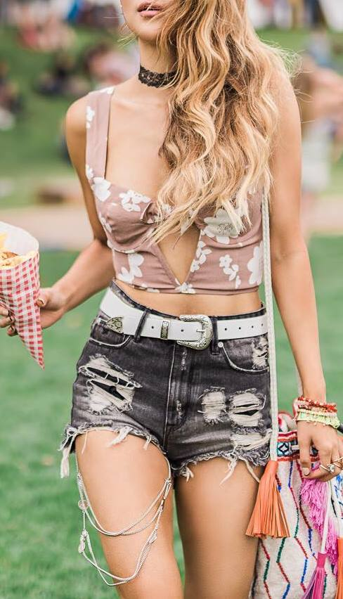 gypsy style outfit: top + shorts + bag