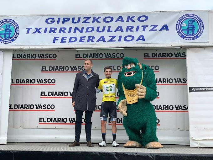 Alejandro Ropero (Kometa Cycling Team Sub23) se corona en Irrisarri Land para liderar la Bidasoa Itzulia