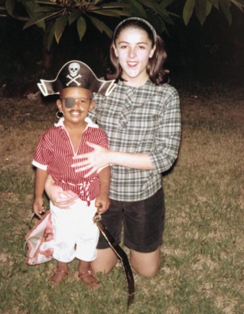 Fotografía de Obama niño vestido de pirata se vuelve viral
