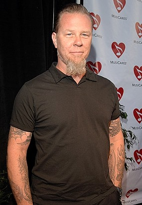 Foto de James Hetfield con barba grande