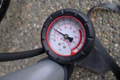 Tips Isi Tekanan Ban Motor Yang Ideal