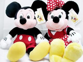 Gambar boneka Mickey dan Minnie Mouse berpasangan 10