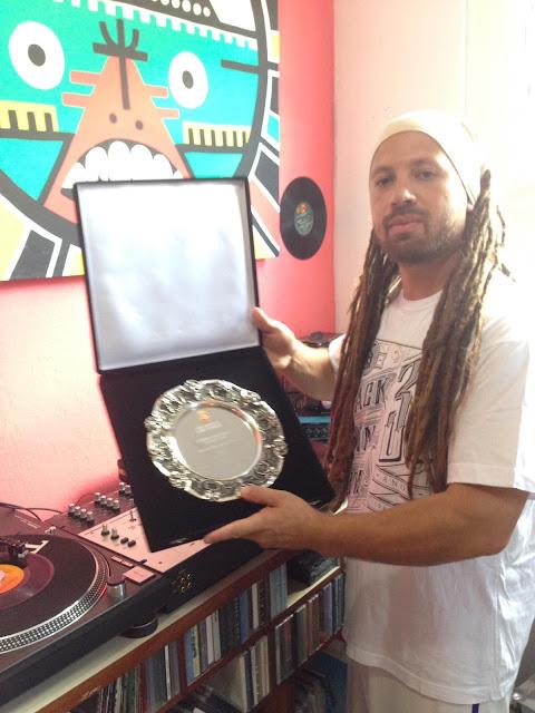 DJ ErryG recebe o prêmio Sabotage, em ato solene na camara de vereadores de São Paulo