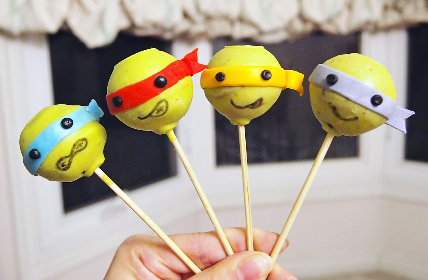 Teenage Mutant Ninja Turtles Cake Pop