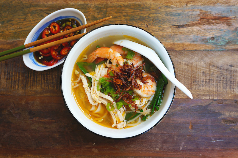 ... : Flat-Rice Noodles Soup With Chicken And Prawn (Kai See Hor Fun