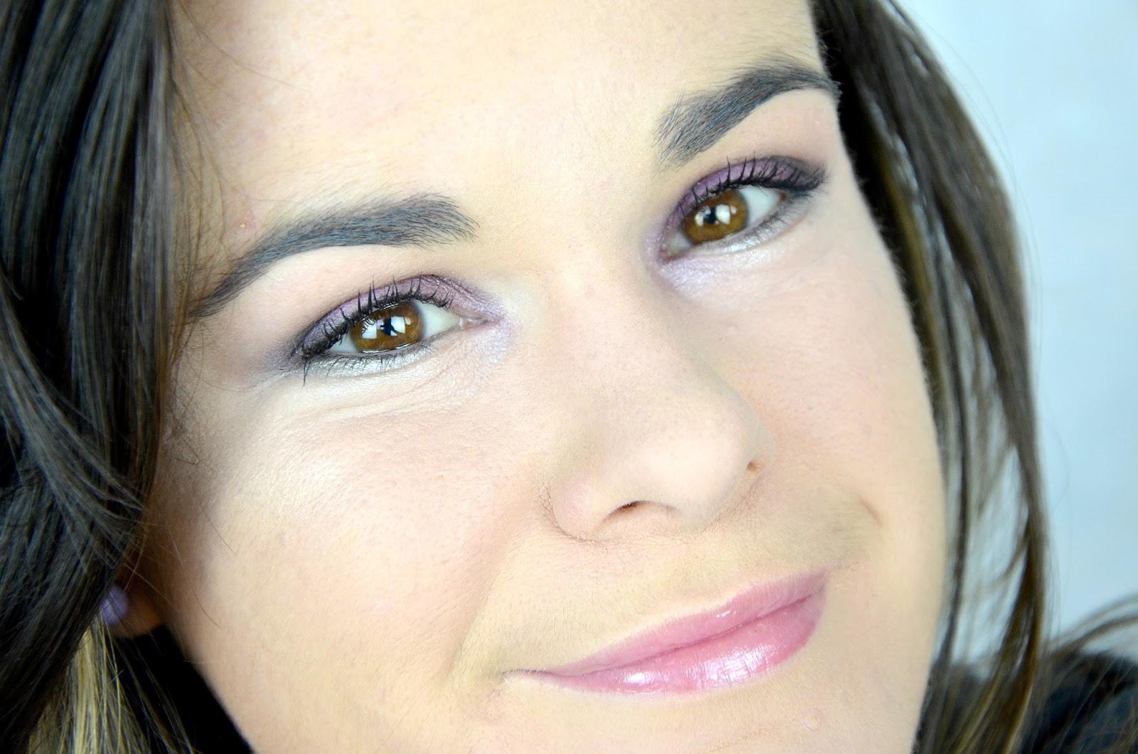 Tutoriel maquillage violets  yeux Kat Von D Chrysalis palette