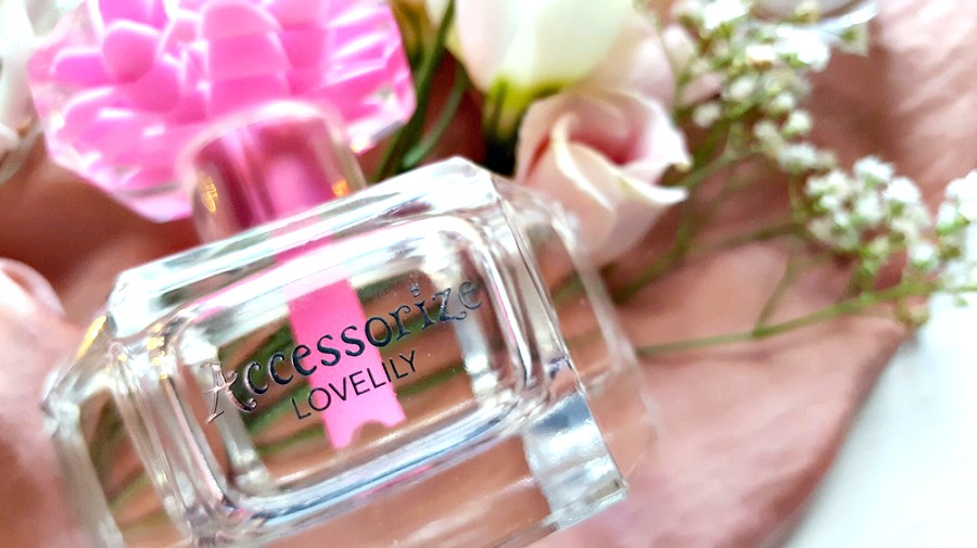 LOVELILY, The Style Guide Blog, perfume reviews, teenager perfumes, feminine perfumes