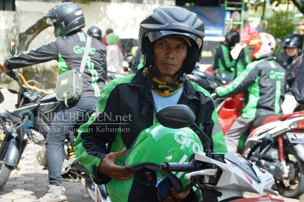 """Dulu Dukung Prabowo, Driver Ojol Kebumen Tolak Ikut """"People Power"""""""