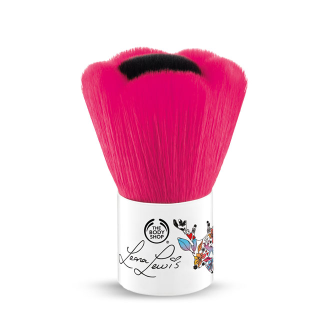 LEONA LEWIS CRUELTY FREE BLUSHER BRUSH