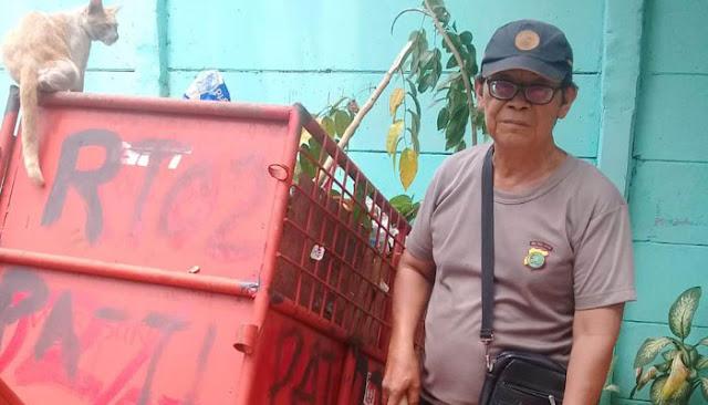 Tukang Sapu di Polsek Ini, Anaknya Sarjana Kerja di Singapura