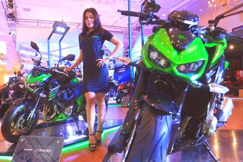 Varian Motor Kawasaki Terbaru Makin Memanjakan Para Biker