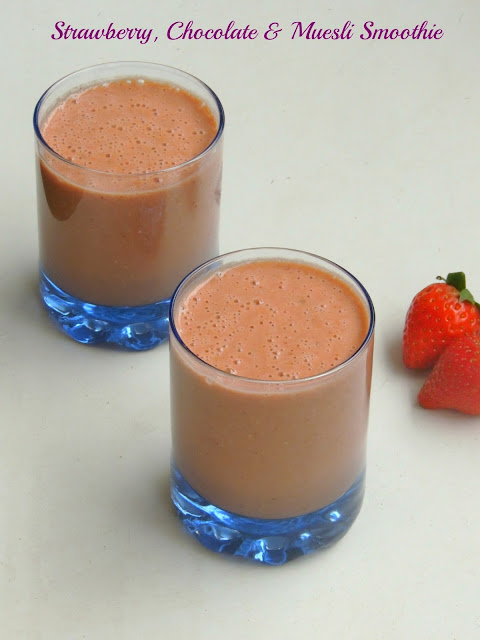 Chocolate, strawberry & muesli smoothie