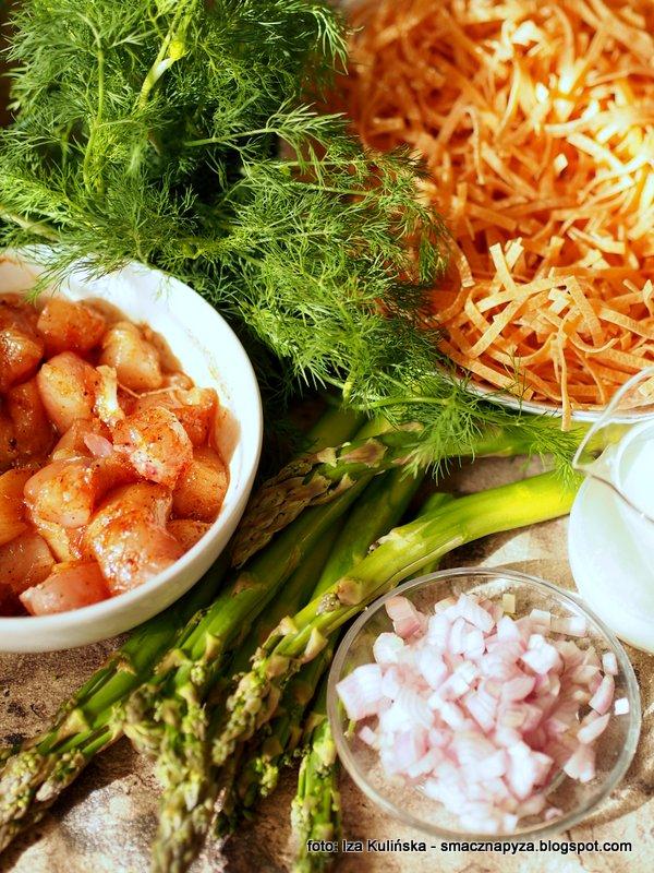 makaron z kurczakiem i szparagami, szybkie danie, ekspresowy obiad, kurczak, szparagi, danie z makaronem, obiad na szybko, co na obiad