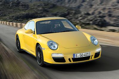 Porsche 911 Carrera 4 GTS photos 2012