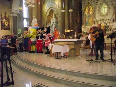 Puppet Mass