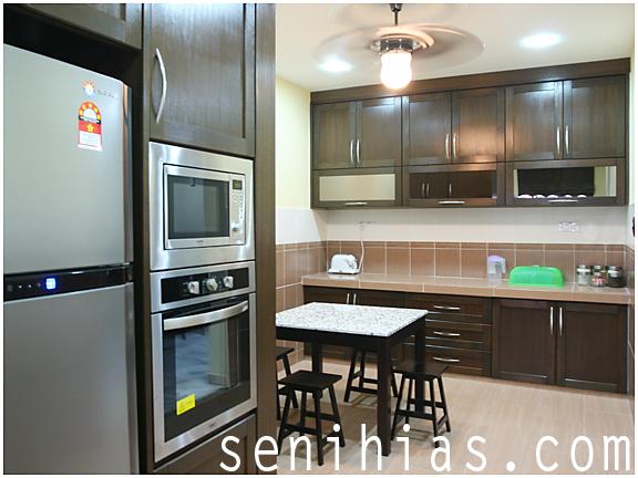 Kepada Sesiapa Yang Berminat Dan Mempunyai Kemampuan Boleh Menghias Dapur Mereka Dengan Pelbagai Rekabentuk Lebih Menarik