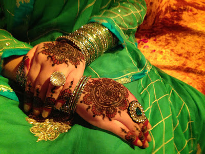 Latest-&-stunning-punjabi-mehendi-designs-2017-for-girls-3