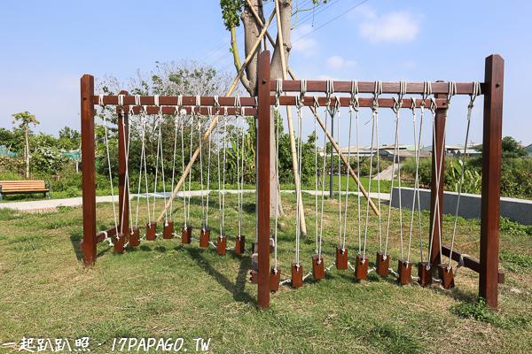 《台中.烏日》麻園東二街公園(兒7公園)|磨石子溜滑梯|沙坑|土庫溪景觀橋|兒童公園|12感官遊具