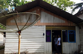 Salah satu rumah tak layak huni yang akan dijadikan rumah permanen adalah milik Hermansyah, warga RT.1/RW.3 Kelurahan Kuranji.