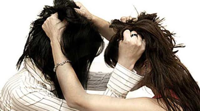 Mengapa Perempuan Saling Jambak Rambut ketika Berkelahi?