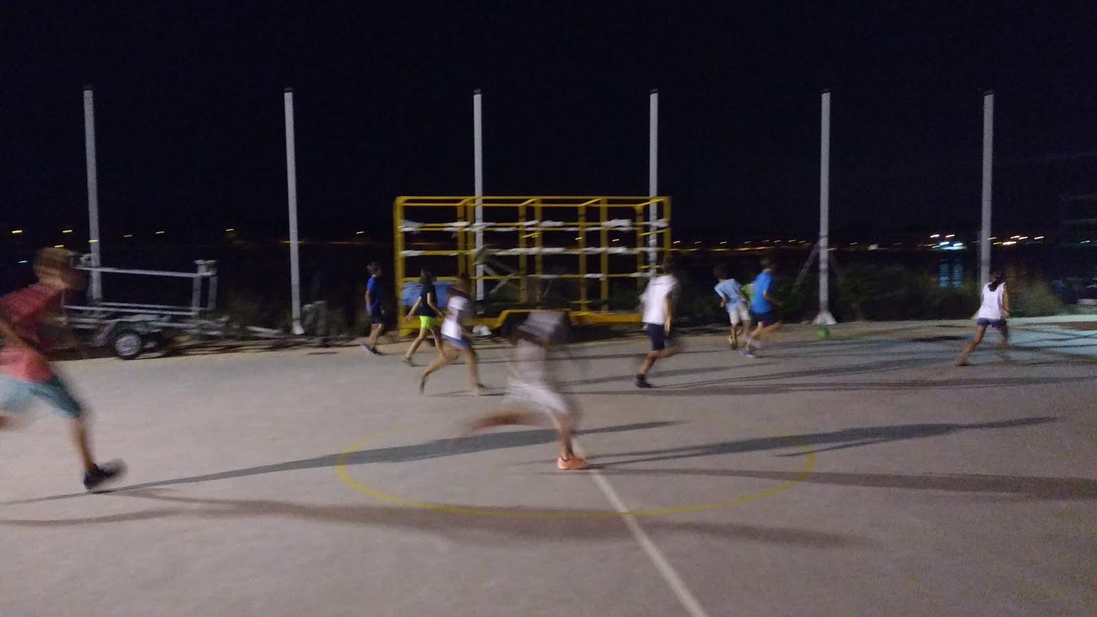 Futbol Por La Noche