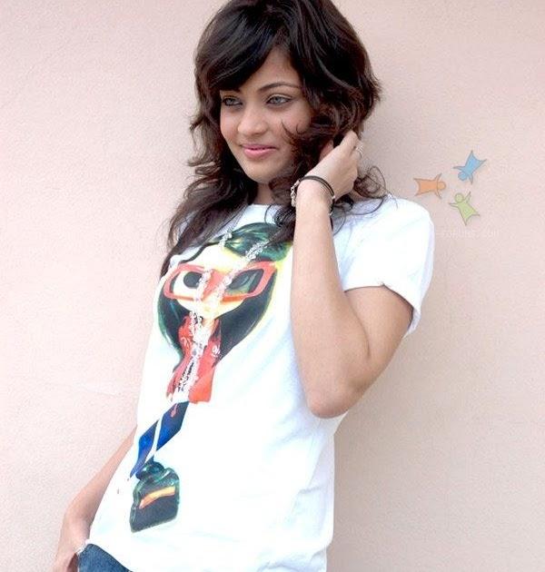 Esechhi Ami Esechhi Manna Dey: Most Welcome (Bangla Movie 2012)