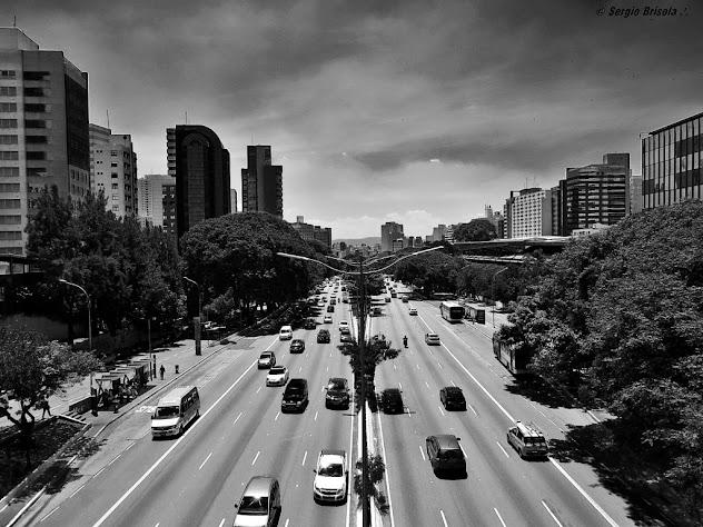 Vista Panorâmica de trecho da Avenida 23 de Maio na região do Paraíso - São Paulo