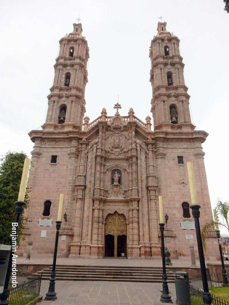 El Bable La Basilica Menor De Guadalupe En San Luis Potosi