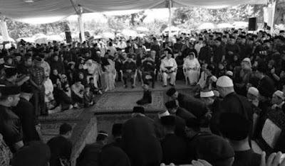 JENAZAH ADENAN SATEM BERSEMADI DI TANAH PERKUBURAN ISLAM SAMARIANG