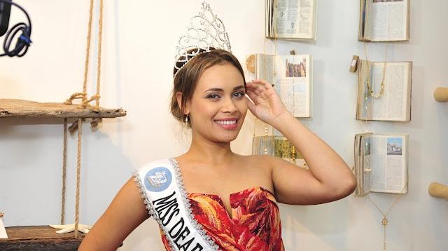 Alexandra Borja como candidata a Miss Deaf International