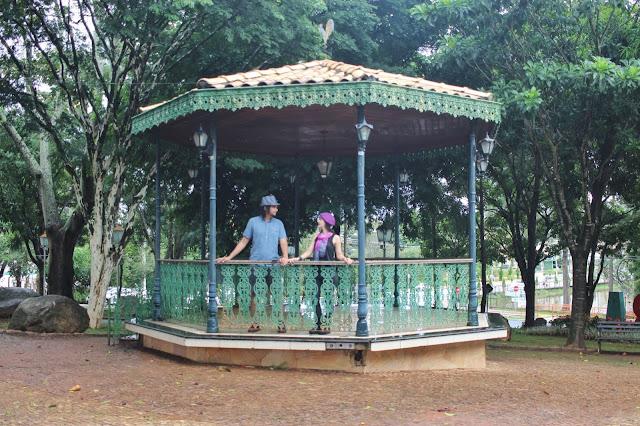 Gazebo na Praça dos Coqueiros, em Holambra, São Paulo.