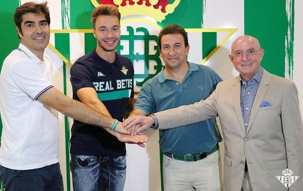 Oficial: El Betis renueva a Loren hasta 2022