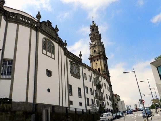 Iglesia y torre de los Clérigos, Oporto, Portugal
