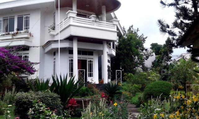 Villa Putih Kota Batu 5 Kamar Tidur