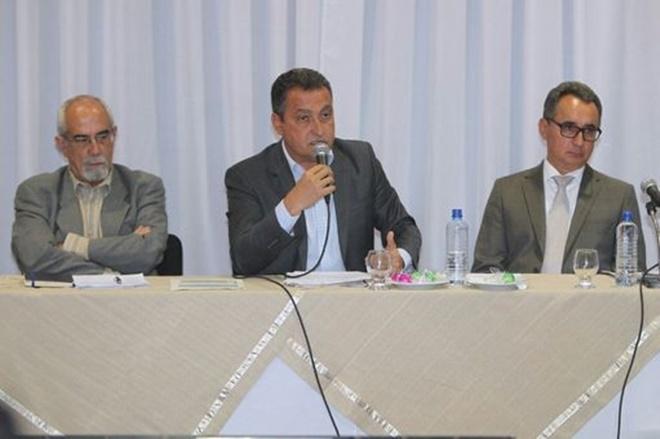 Governador da Bahia se reúne com lideranças para garantir preservação do rio Utinga