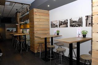 Instalación en Bar El Rincón del Viajero 3