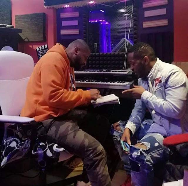 Phoenix RDC e Dji Tafinha  Vem baixar download mp3