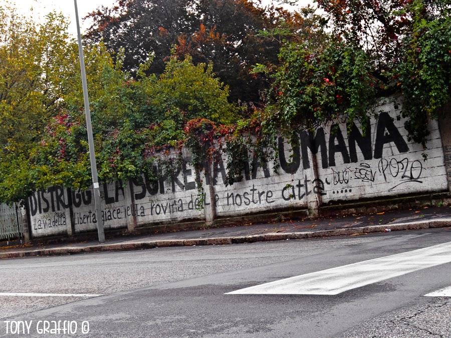 Manifesto Extraterrestre per le vie di Milano