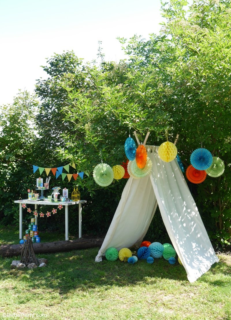 A Summer Backyard Camping Party - fun, easy ideas for a fun campout inspired by the Hotel Transylvania 3: Summer Vacation movie! by BirdsParty.com #HotelT3: Summer Vacation is coming to theaters on July 13 | #sponsored content created by @birdsparty for @hotelt
