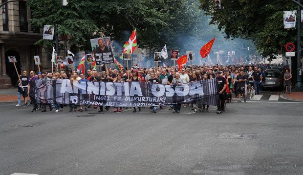 Euskal Herria: Miles marcharon en Bilbao por la Amnistía para los presos y presas vascas