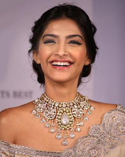 Sonam Kapoor and Malaika in Kanna jewellers