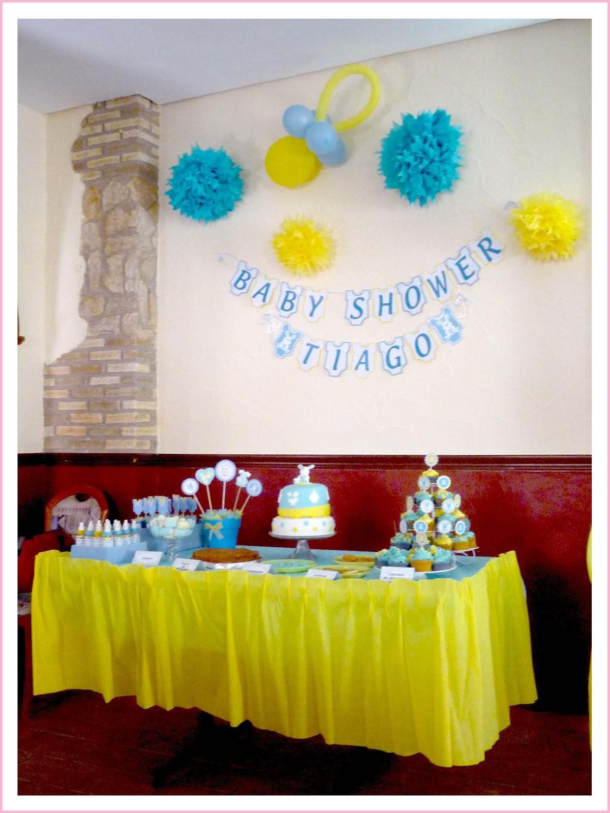 Como decorar una mesa de regalos para baby shower b wall for Mesas decoradas para fiestas