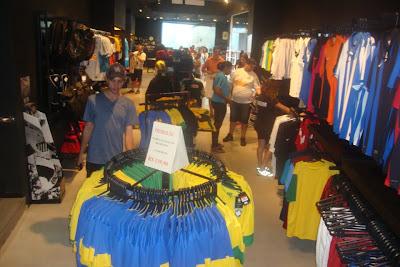 Loja de artigos esportivos do Santos Futebol Clube.