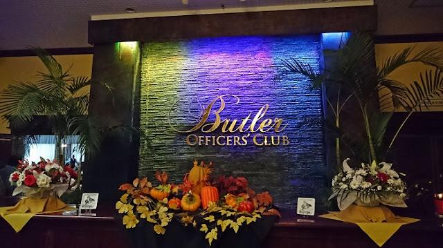 バトラーオフィサーズクラブの看板の写真
